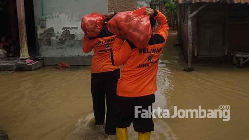 kader PKS Jombang beri bantuan ke warga terdampak banjir 1