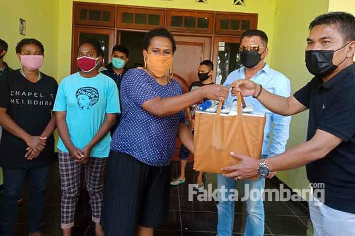 polres jombang bantu mahasiswa asal papua1