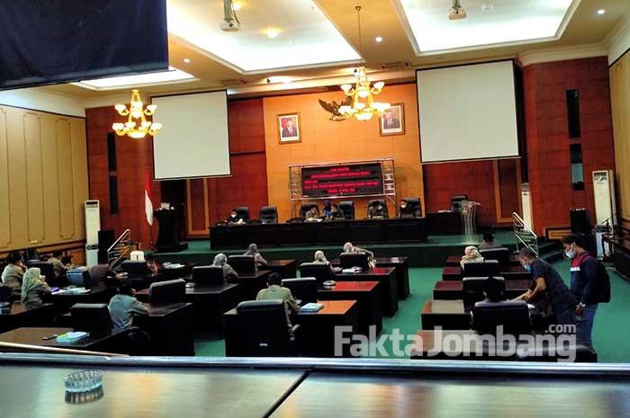 Rapat paripurna DPRD Jombang agenda LKPJ Bupati