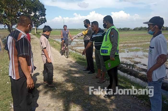 proses olah TKP ledakan mercon di Sentul Jombang
