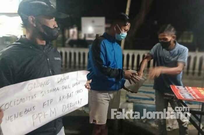 Sanksi Denda PPKM Darurat Belum Terbayar, PKL di Jombang Galang Dana