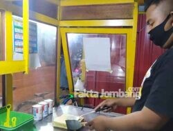 """PPKM Darurat, Penjual Roti Bakar di Ploso Jombang; """"Merosot Tajam, Tapi Gimana Lagi"""""""