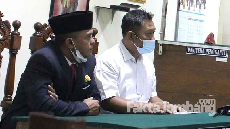 Sugiarto dan Agus Sholahuddin pengacara penggugat Moch Rodly
