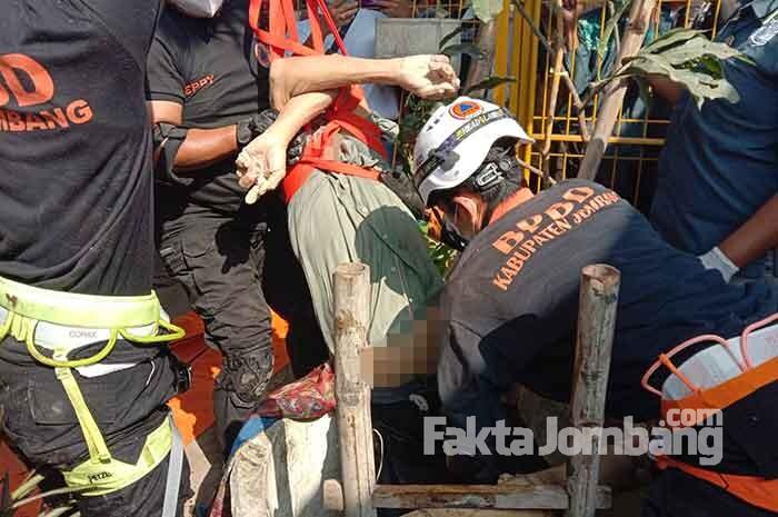 Istrinya Meninggal, Kakek di Mojowarno Jombang Ceburkan Diri ke Sumur