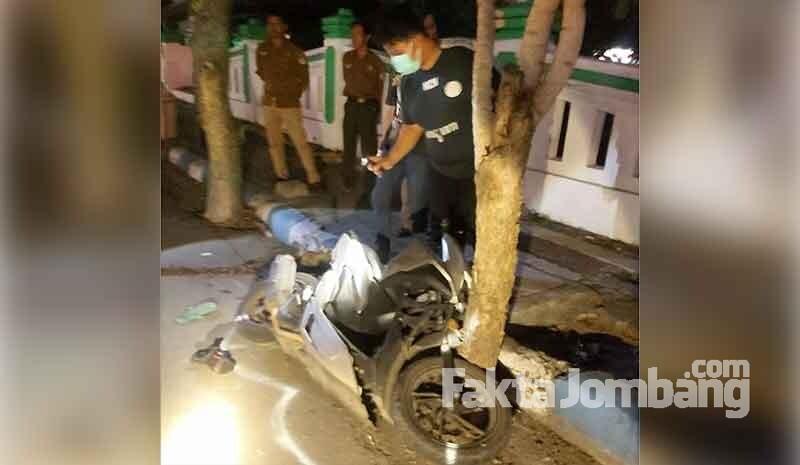 kecelakaan di Jl Wahid Hasyim Jombag