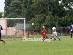 Laga Persahabatan di Stadion Jombang, SM Rajawali Biru Menang 3 – 1 Atas Mojosari Putra FC