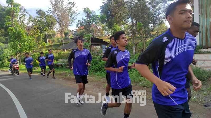 SM Rajawali Biru latihan di Wonosalam Jombang 1