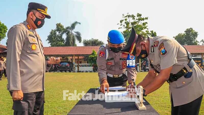 Sertijab dan pengukuhan pejabat Polres Jombang