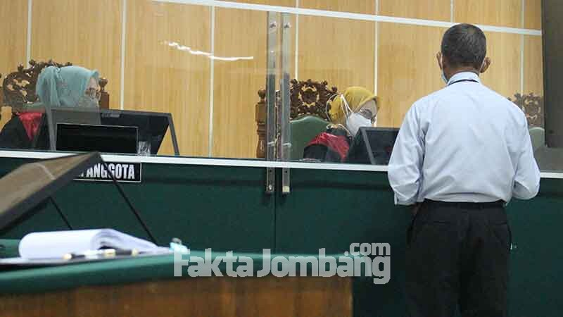 penyerahan alat bukti dari pihak pelawan di PN Jombang