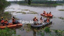 proses pencarian korban tenggelam di sungai brantas jombang