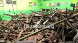 atap ruang kelas SDN Catakgayam Mojowarno Jombang