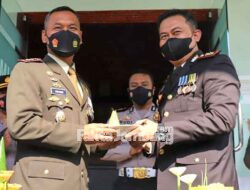 Kapolres Jombang Beri Kejutan Dandim di HUT TNI ke-76