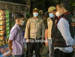 Asyik Nongkrong, Sejumlah Muda-mudi di Jombang Panik Saat Dipatroli