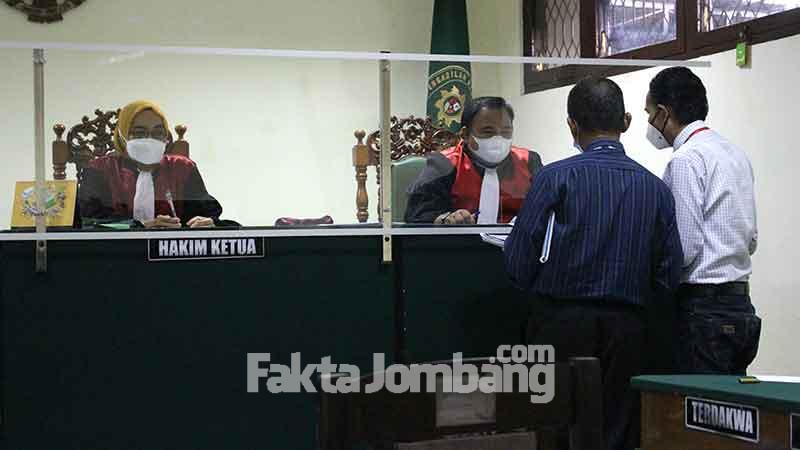 pembuktian ke majelis hakim PN Jombang perkara perlawanan eksekusi lahan di ngusikan 1